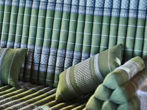 almohadas de estilo étnico