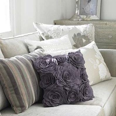Decoraci n con cojines color y textura en los ambientes - Decoracion de sofas con cojines ...