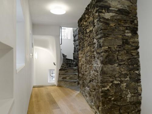 antigua-casa-rustica-interior-moderno-15
