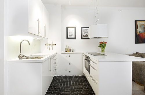 Un apartamento peque o en blanco y negro decoracion in for Decoracion apartamento pequeno 2016