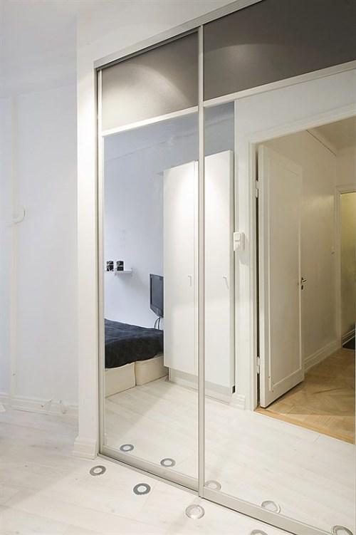 Un Apartamento Peque 241 O En Blanco Y Negro Decoracion In