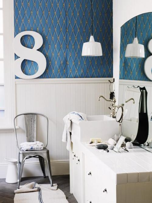 Decoracion Baño Azul:Azul y Blanco en un Baño con Decoración Original – DecoracionIN