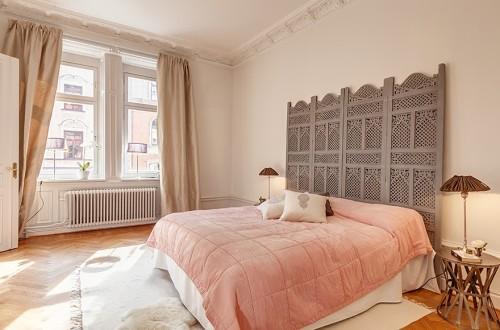 Un cabecero especial para la cama decoracion in - Decoracion cabeceros cama ...