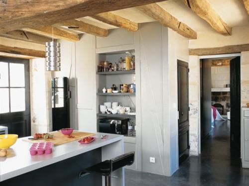 Casa cl sica y r stica con toques modernos decoracion in for Casa clasica moderna interiores