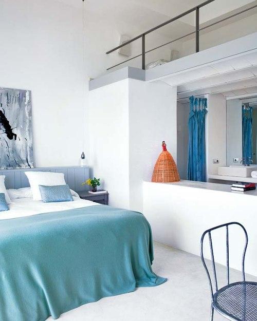 Casa en mallorca estilo y frescura decoracion in for Casas estilo moderno interiores