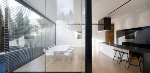 casas-contemporaneas-grandes-ventanas-herzelia-pituah-house-6