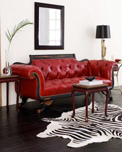 Cl sico sof rojo en el sal n decoracion in - Salon con sofa rojo ...