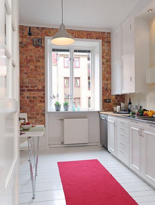 Cocina blanca y moderna con un toque r stico decoracion in - Fotos de cocinas blancas ...