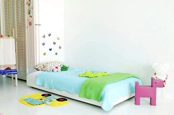 colorido dormitorio infantil