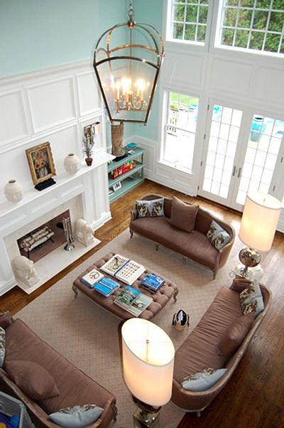 combinación marrón y turquesa en un interior