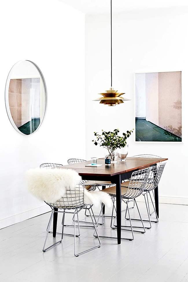 comedor actual con sillas de diseño