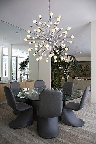 Comedores con candelabros o l mparas de ara a decoracion in for Comedores modernos para 4 personas
