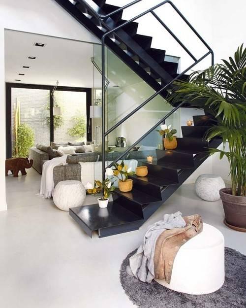 C mo decorar con color e ideas una escalera decoracion in for Ideas decorativas home