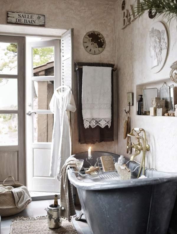 cuarto de baño con detalles vintage