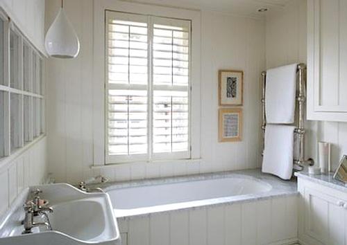 decoración del baño con cuadros