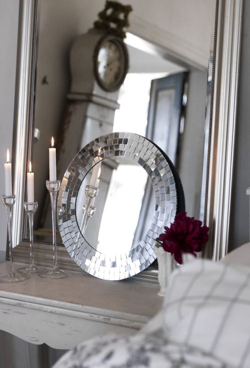 Decoraci n con espejos en capas decoracion in for Decoracion de espejos rectangulares