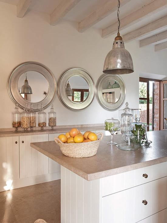 decorar con espejos en serie