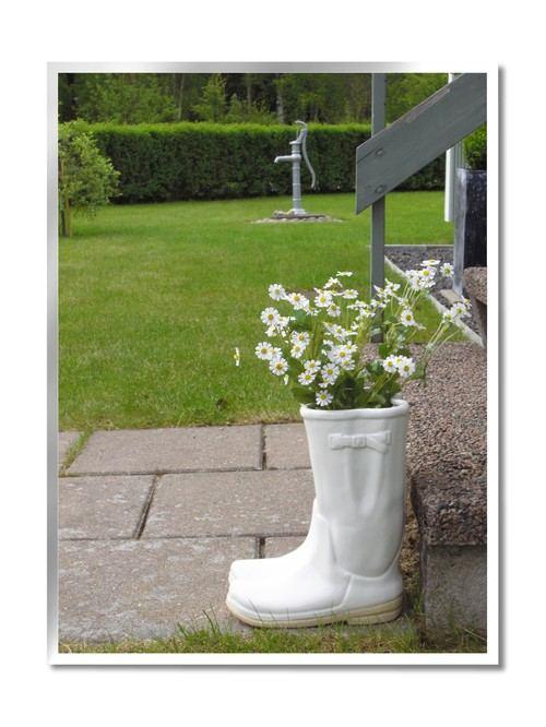 Detalle blanco y original para decorar el jard n decoracion in - Como decorar el jardin de mi casa ...