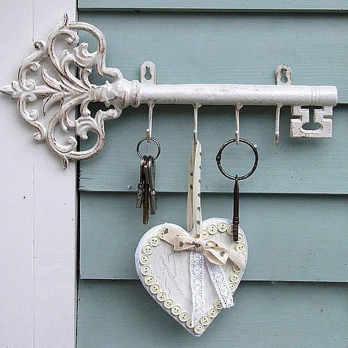 Detalles con encanto para las llaves decoracion in for Perchas para colgar llaves