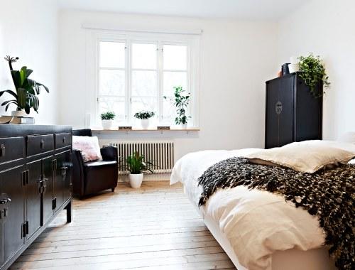un dormitorio con muebles de estilo oriental decoracion in