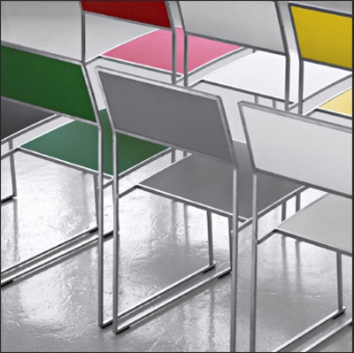 elegantes-sillas-apilables-1