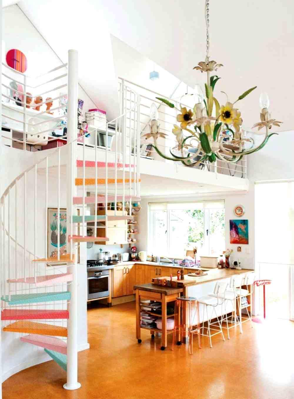 escalera original de color
