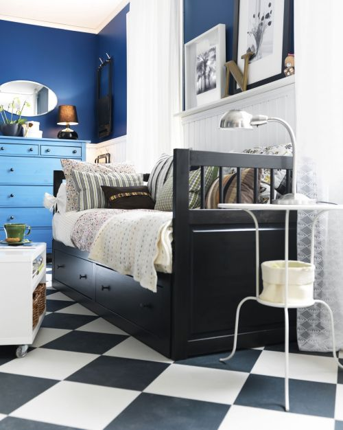 Espacio funcional en azul blanco y negro decoracion in - Decoracion de interiores ikea ...