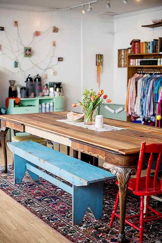 estilo ecléctico y muebles renovados