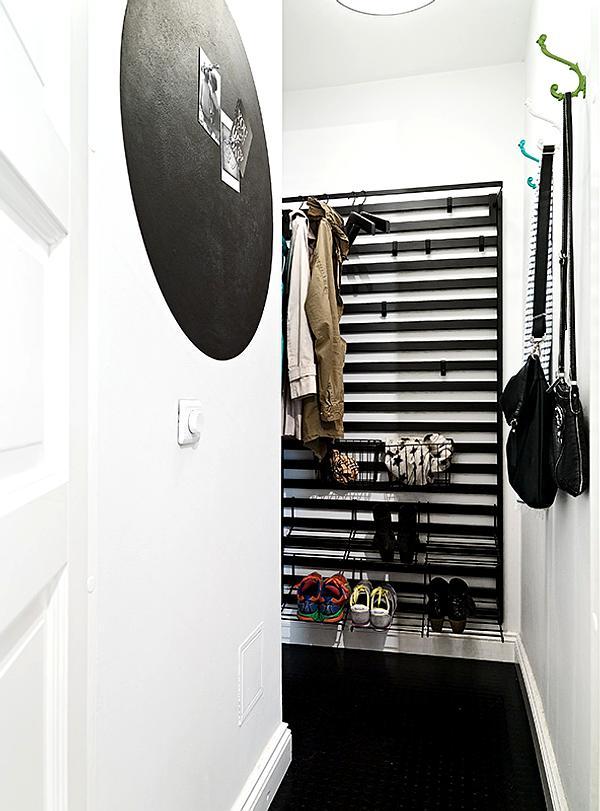 Decorar un recibidor moderno y simple decoracion in - Decorar recibidor moderno ...