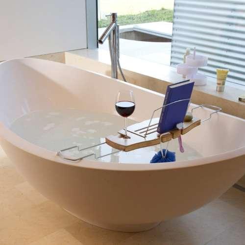 mesita para leer en la bañera