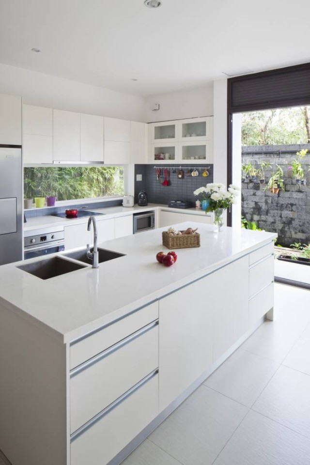 moderna casa con toques naturales y coloristas decoracion in
