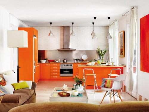 Moderna cocina color naranja abierta y luminosa for Pintura a color cocina abierta