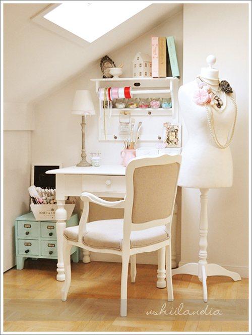 Foto idea espacio de trabajo luminoso y elegante for Decoracion de espacios de trabajo