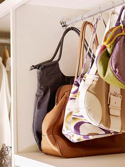 Pr ctica idea para organizar los bolsos decoracion in - Organizar bolsos ikea ...