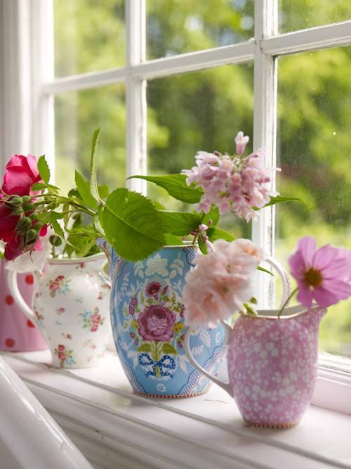 rincones con encanto: flores y color en las ventanas