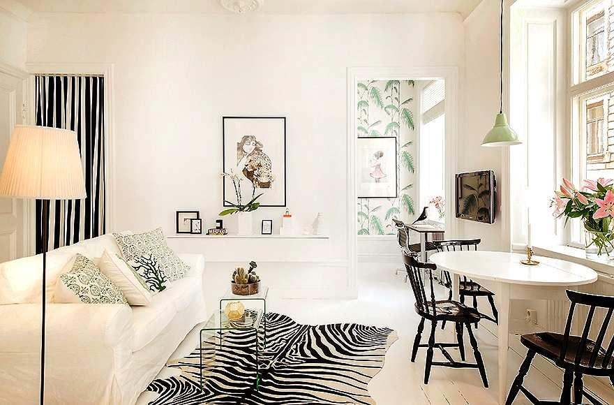 salón-comedor en blanco y negro