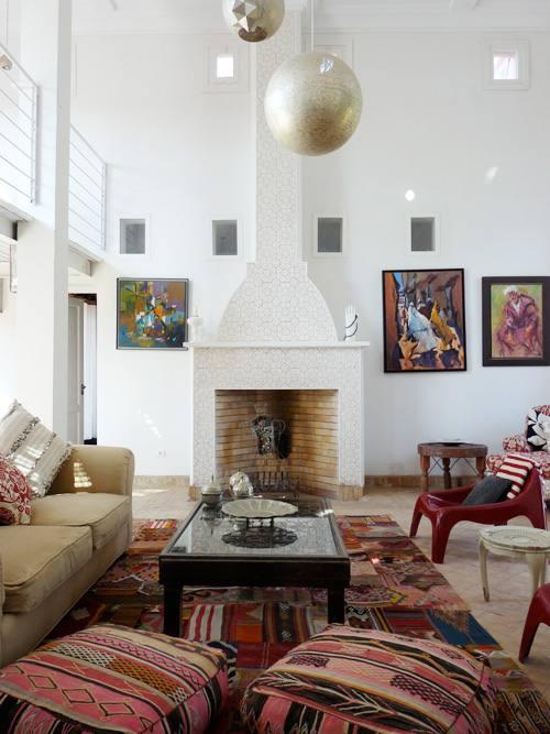 Sal n con decoraci n estilo marroqu decoracion in - Decoracion etnica salones ...