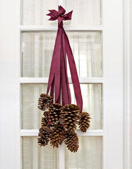 Sencillo adorno de navidad para la puerta de casa - Adornos navidenos puertas ...