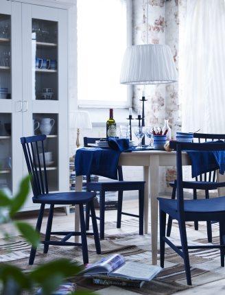 Sillas de colores para la decoraci n del comedor for Sillas azules comedor