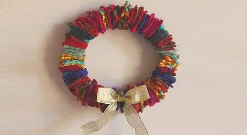 tips-decoracion-navidad-corona-navidad-fieltro-2