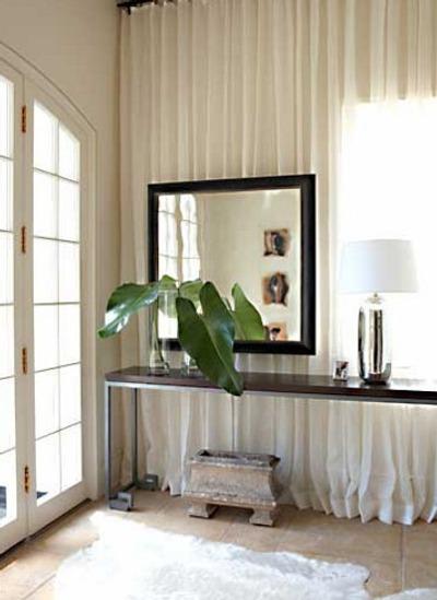 trucos para decorar el recibidor -cortinas