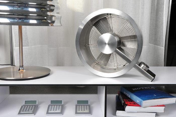 un ventilador minimalista